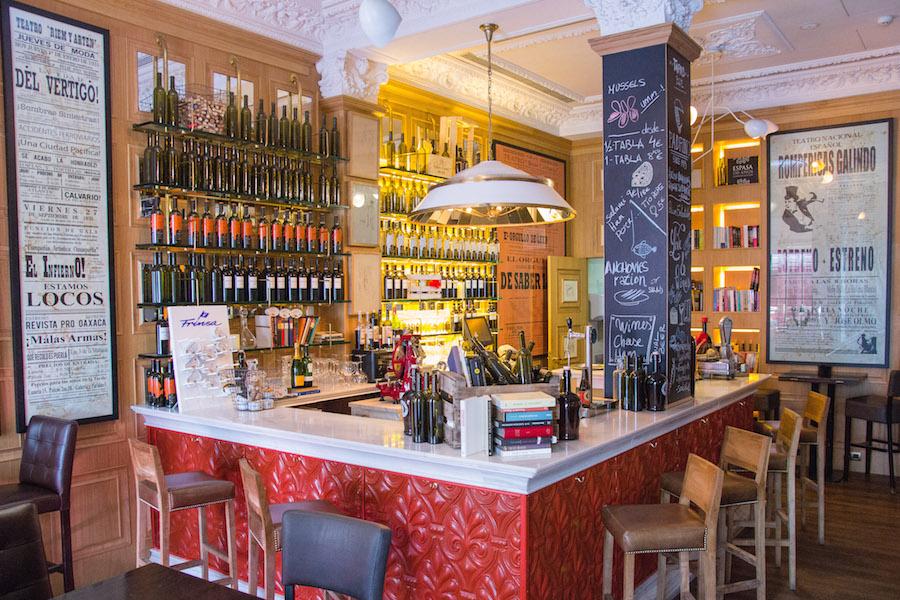 El Padrino salon de vinos y latas de conserva