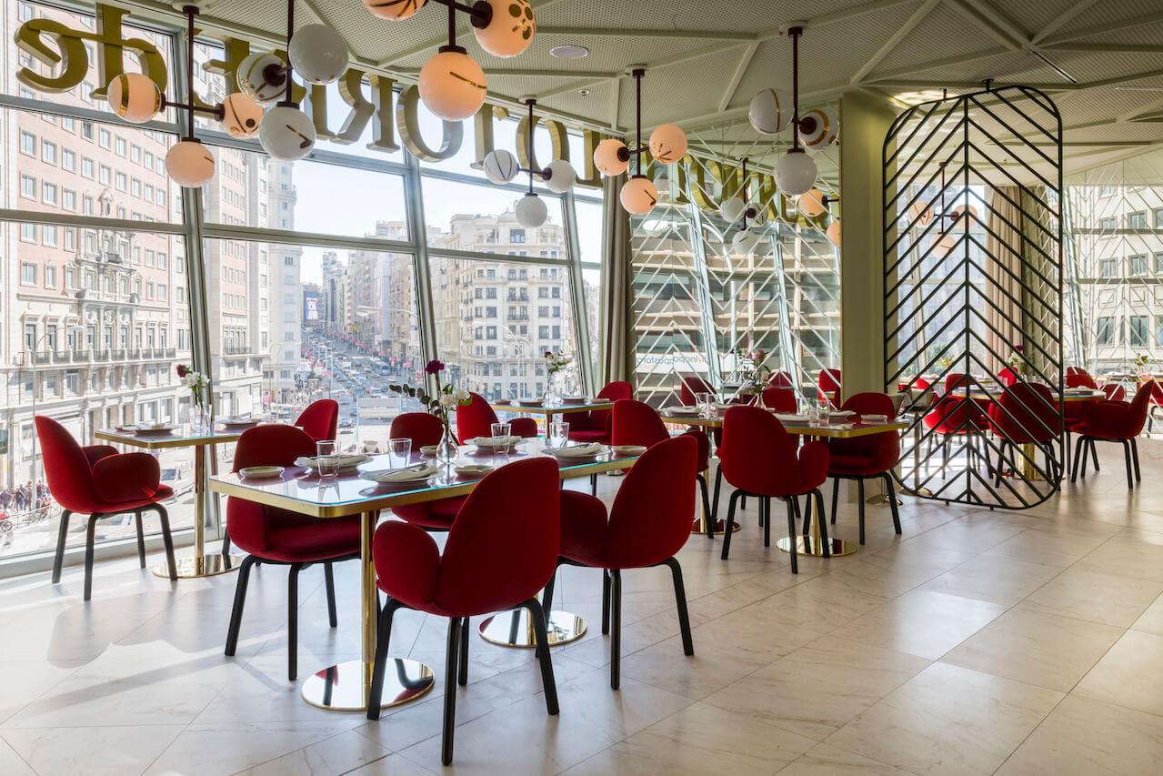 Somos restaurante de dise o en el hotel barcel torre de for Diseno restaurante