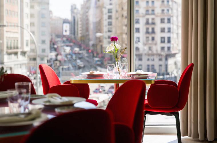 SOMOS restaurante con vistas a la Gran Via