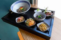 Juego de sabores en la mesa   Un ramen diferente en Lamian by Soy Kitchen