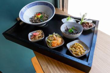 Juego de sabores en la mesa | Un ramen diferente en Lamian by Soy Kitchen