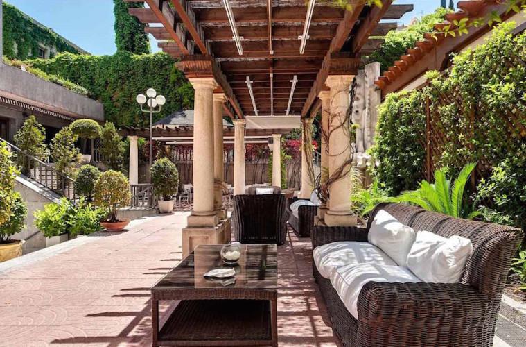 Terrazas en patio para tomar algo y comer durante el verano en Madrid
