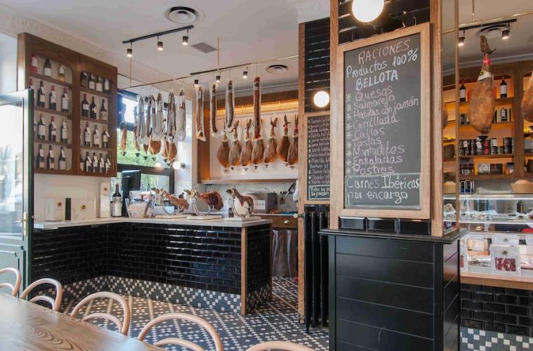 Señorío de Montanera abre en Madrid su tienda-bar de culto al ibérico