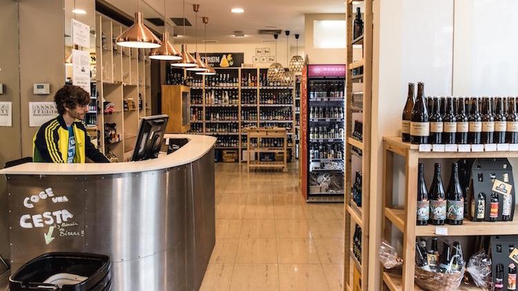 LABIRRATORIUM el templo cervecero contemporaneo en Chamberi