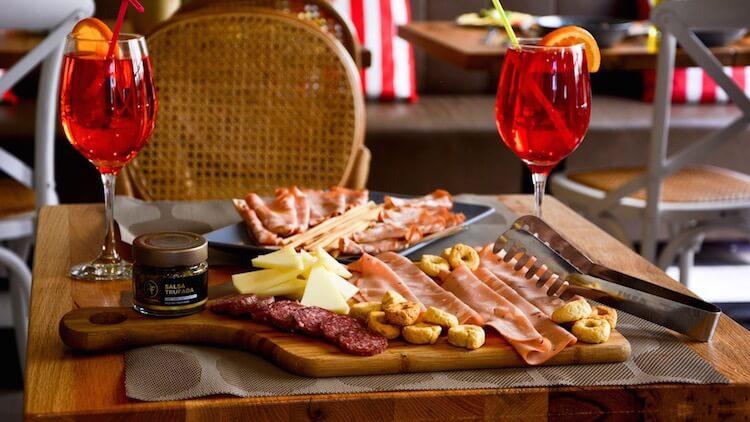 JUST ITALIA tablas de quesos y embutidos